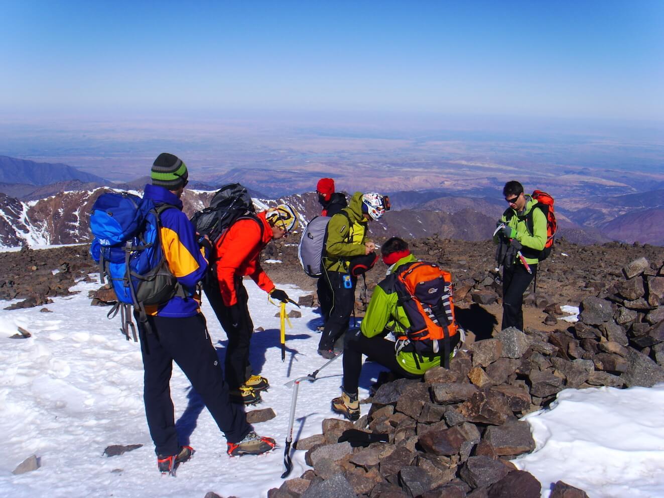 escalar montañas superar-retos